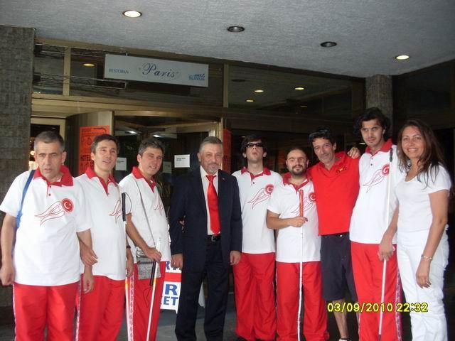 Görme Engelli Türk Millî Satranç Takımı Belgrad'da toplu halde