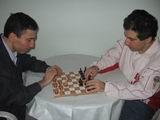 Selim Kerim Altınok evde satranç maçında