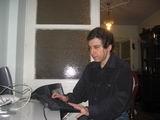 Selim Altınok bilgisayar başında