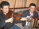 Selim keman,Kerim akordiyon çalarken
